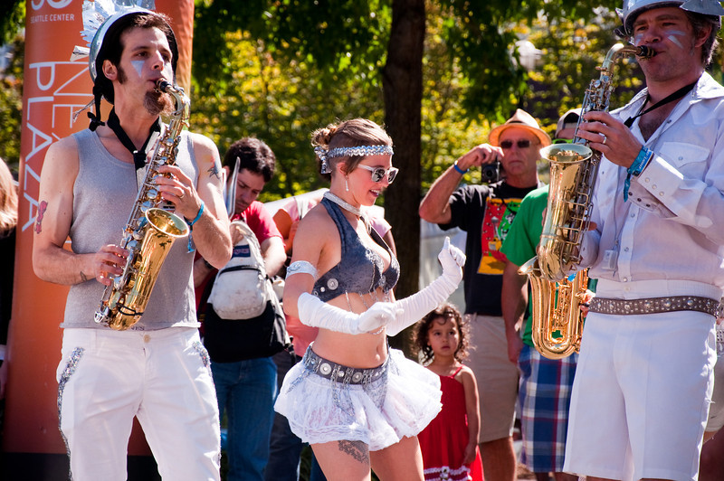 2012.09 - Bumbershoot: LoveBomb Go-Go marching band