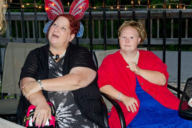 Terri Helms and her sister, Tamara.