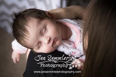 Emmalyn - Newborn Photography Rochester, NY