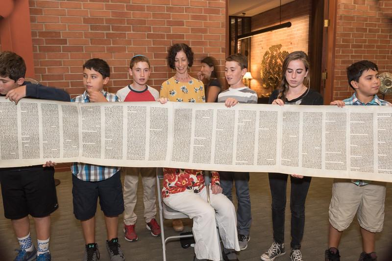 Simchat Torah4630.jpg