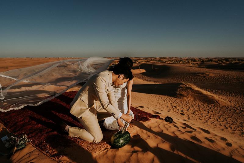 Tu-Nguyen-Destination-Wedding-Photographer-Morocco-Videographer-Sahara-Elopement-503.jpg