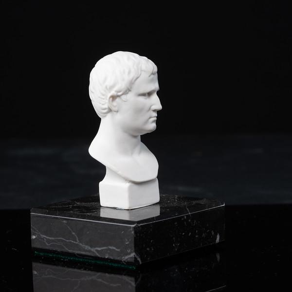 Statue-1-476.jpg