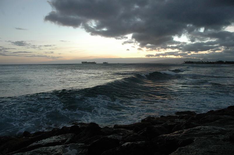 Hawaii - Ala Moana Beach Sunset-157.JPG