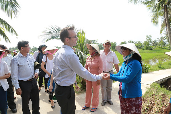 New Zealand Ambassador, Haike Manning visit to Mekong Delta - Oct 2014