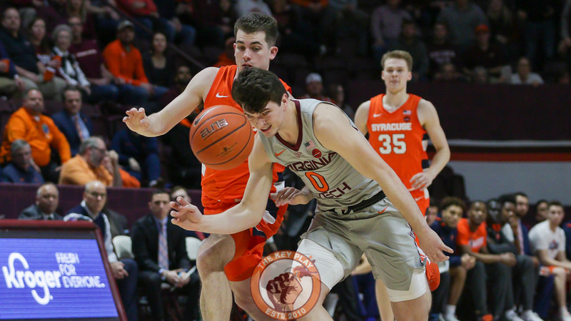 Hunter Catoor chases after a loose ball after a Syracuse turnover. (Mark Umansky/TheKeyPlay.com)