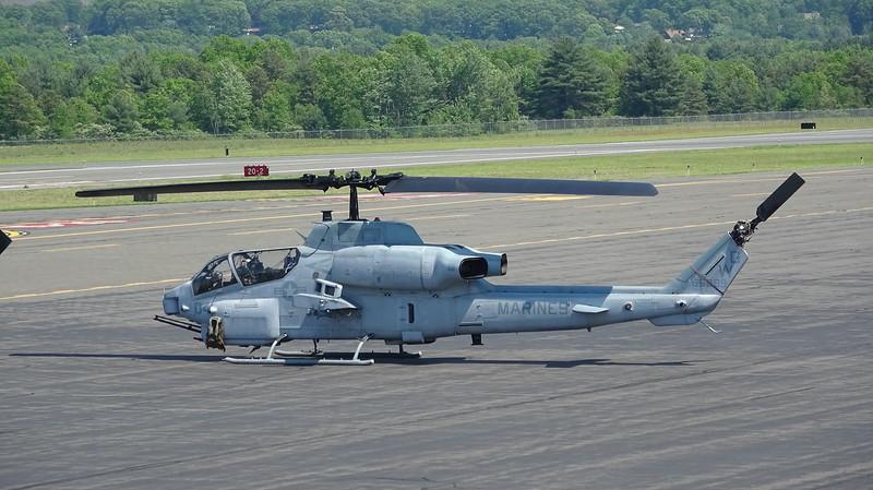 AH-1W SuperCobras