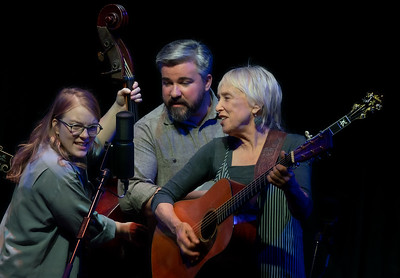 Laurie Lewis and Right Hands November 30,2019