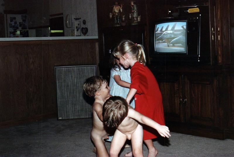 1986_November_Kids_Antics_0026_a.jpg