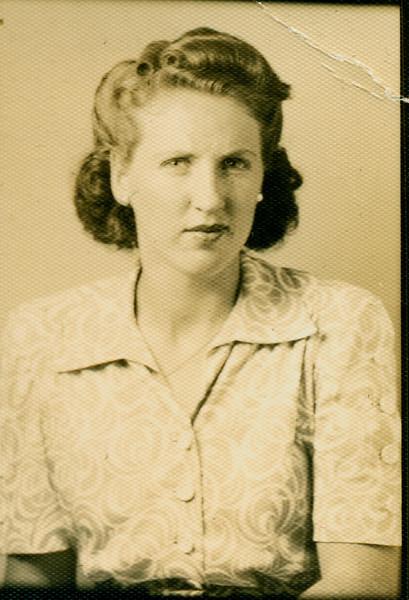 Elizabeth - 22.jpg