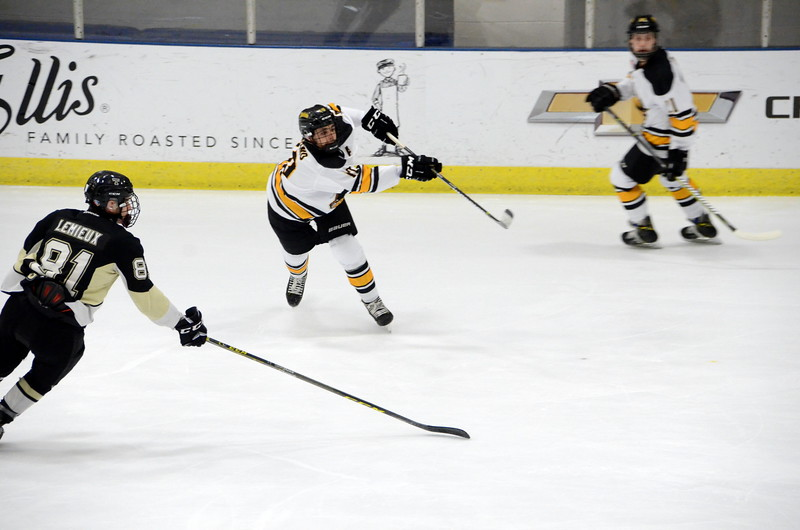 180112 Junior Bruins Hockey-028.JPG