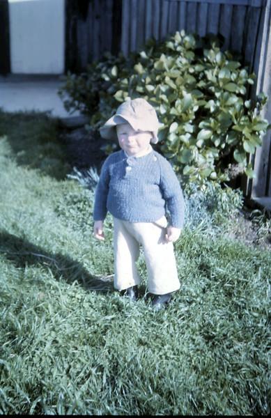 1965-10-15 (18) David 22 mths.JPG
