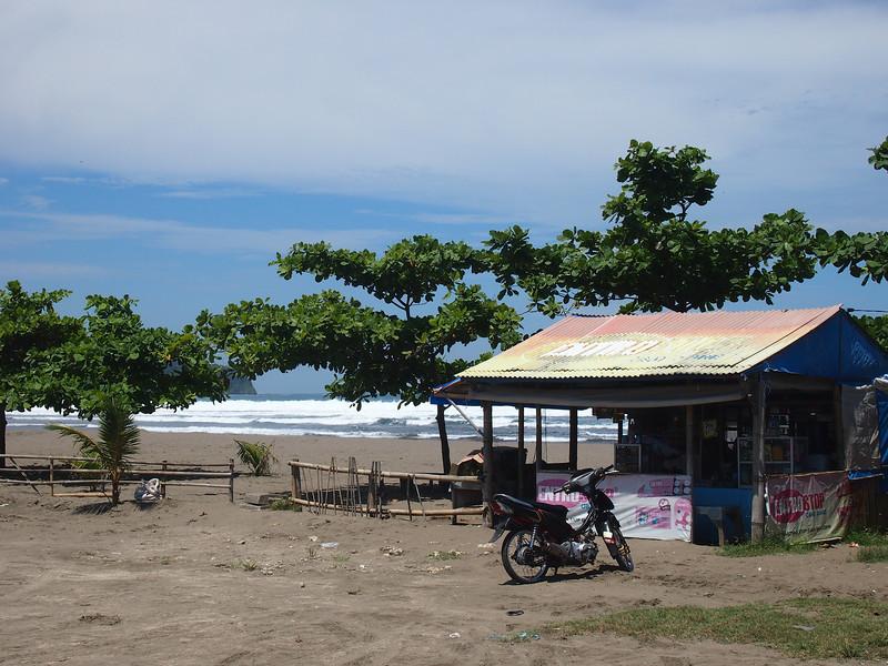P4096540-beach-store.JPG