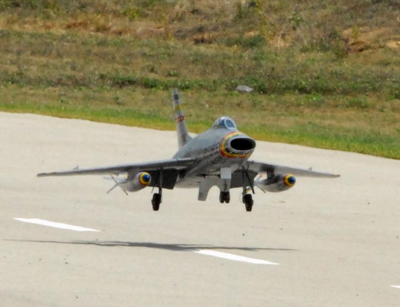 landing jet.jpg