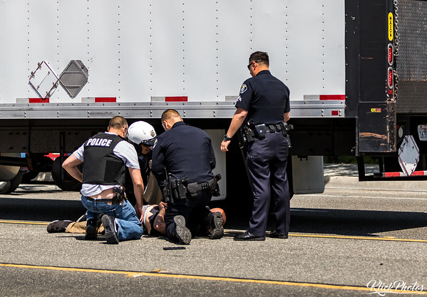 Santa Ana Foot Pursuit Arrest - May 8th, 2017