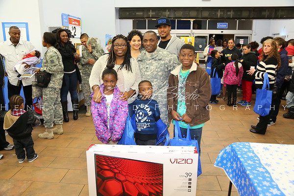 Edwin & Erika Jackson & The T.H.RO.W. Foundation Christmas