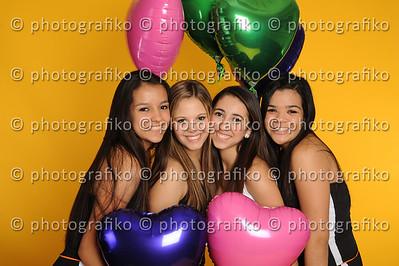 pk2073 Friends Natu,Dani,Steph,Sam