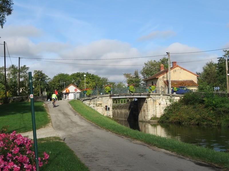 IMG_0980-Canal-du-Centre-s.JPG