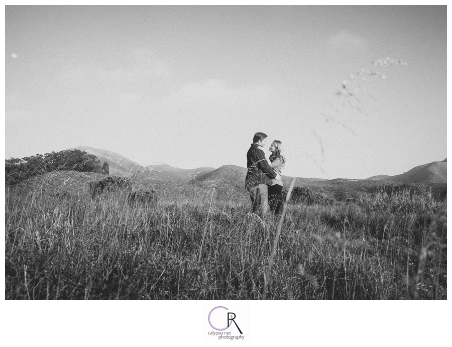 Mountain-Range-Engagement-Photographs