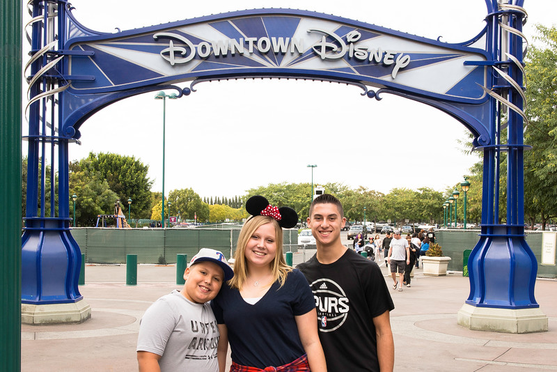 2016-11-19 Downtown Disney 008.jpg