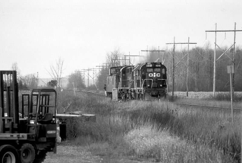 MLW RS18m 1815 + 1842  and GP38-2 LLPX 2272 in Sainte Polycarpe.