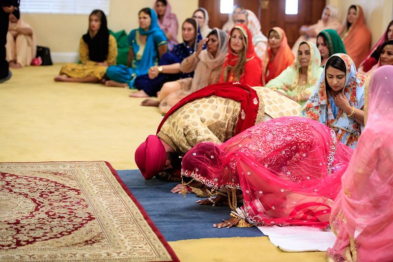 Neelam_and_Matt_Gurdwara_Wedding-1425.jpg