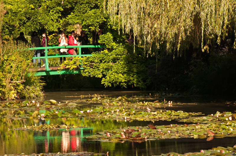 Stephane recommended that we get to Monet's garden's eary and go straight to the water lily garden for the light and lack of crowds.