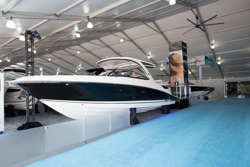 MiamiInternationalBoatShow (12 of 39).jpg