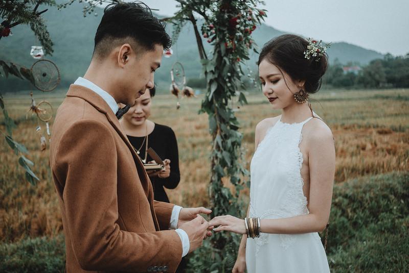 Tu-Nguyen-Destination-Wedding-Photography-Elopement-Vietnam-Pali-Louis-w-116.jpg