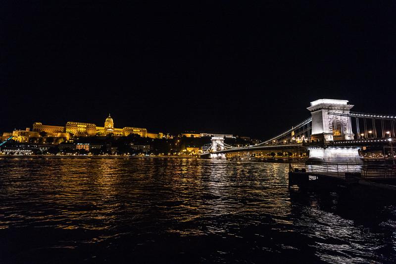 late night view Buda Castle & Chain Bridge.jpg