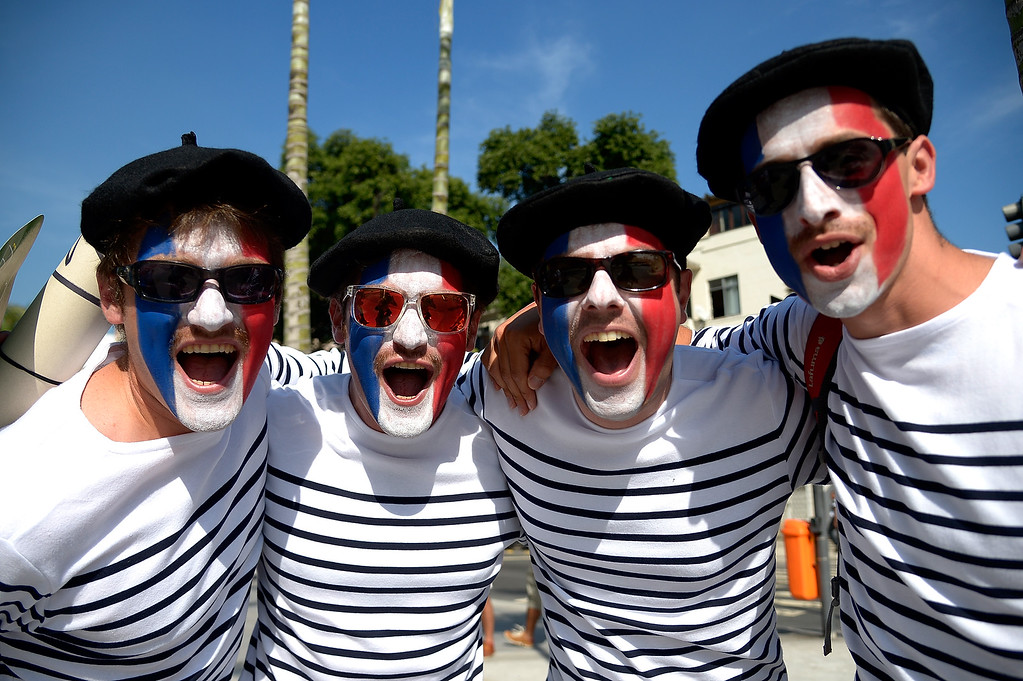 . Fans arrive before the Group E match between Ecuador and France during the 2014 FIFA World Cup at Maracana on June 25, 2014 in Rio de Janeiro, Brazil.  (Photo by Alexandre Loureiro/Getty Images)