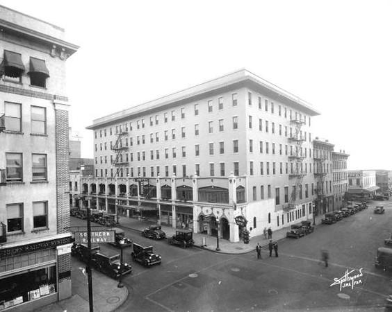 Hotel Aragon.jpg