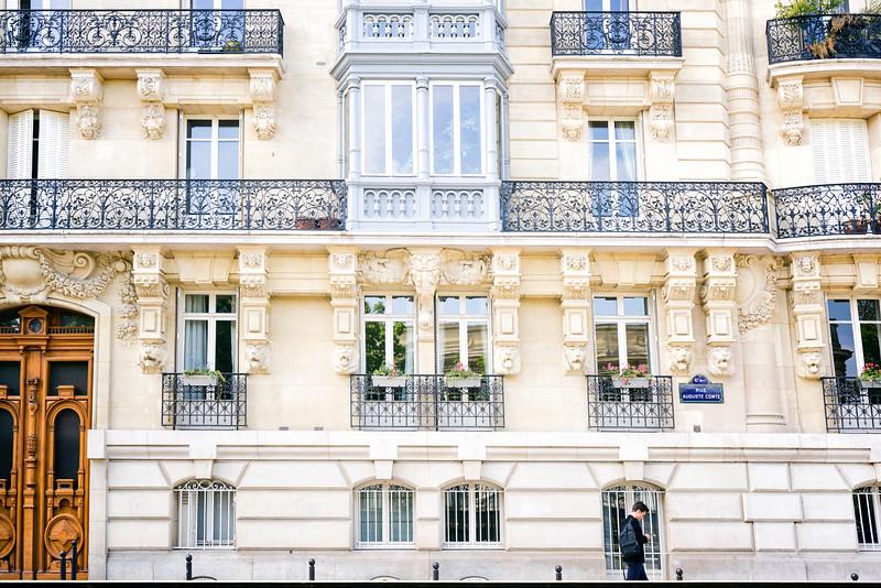 parisstreet.jpg