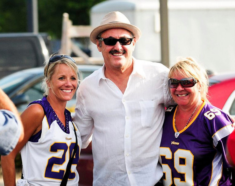 ". <p>3. (tie) ZYGI WILF  <p>New Jersey carpetbagger does have one thing in common with most Minnesotans: He couldn�t care less what Mark Dayton thinks. (1) <p><b><a href=\'http://www.twincities.com/localnews/ci_23860669/faith-vikings-undermined-by-owners-mark-dayton-says\' target=""_blank\""> HUH?</a></b> <p>    (Pioneer Press: Ben Garvin)"