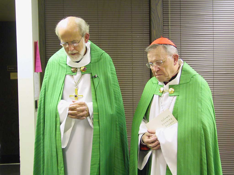 "The Rev. Mark S. Hanson, left, ELCA presiding bishop, and Cardinal Walter Kasper, The Vatican's chief ecumenical officer, pray before leading a ""Solemn Evening Vespers"" service Oct. 1 at St. Luke's Lutheran Church, Park Ridge, Ill. The ELCA Conference of Bishops, ELCA synod vice presidents, ELCA seminary presidents and St. Luke's members attended."