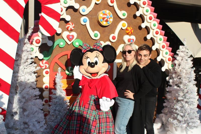 Walt_Disney_Imagineering_Holiday_2017_Individuals_ (35).JPG