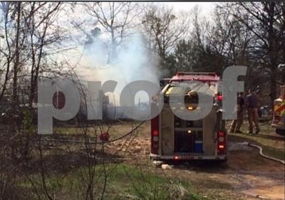 fire-destroys-smith-co-mobile-home