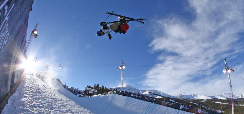 ski-1halfpipe.jpg