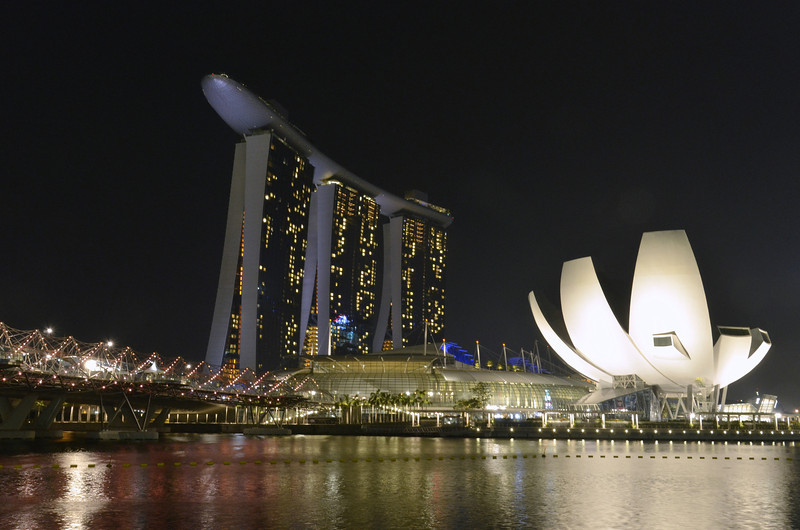 Helix Bridge, MBS, ArtScience Museum - Singapore