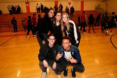 Poly, Flintridge Prep Students Cheer Their Teams
