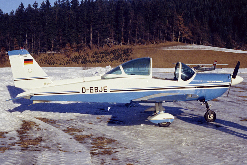 D-EBJE-BolkowBo-209Monsun160RV-Private-LOIJ-1972-N18-09-KBVPCollection.jpg