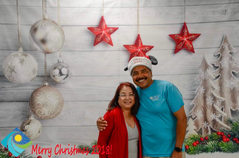 Christmas Photobooth 2018-009_01.jpg