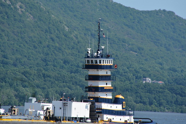 This is one if the nicest wheelhouses on the Hudson