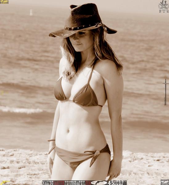 santa_monica_swimsuit_bikini_model 993.best.book....