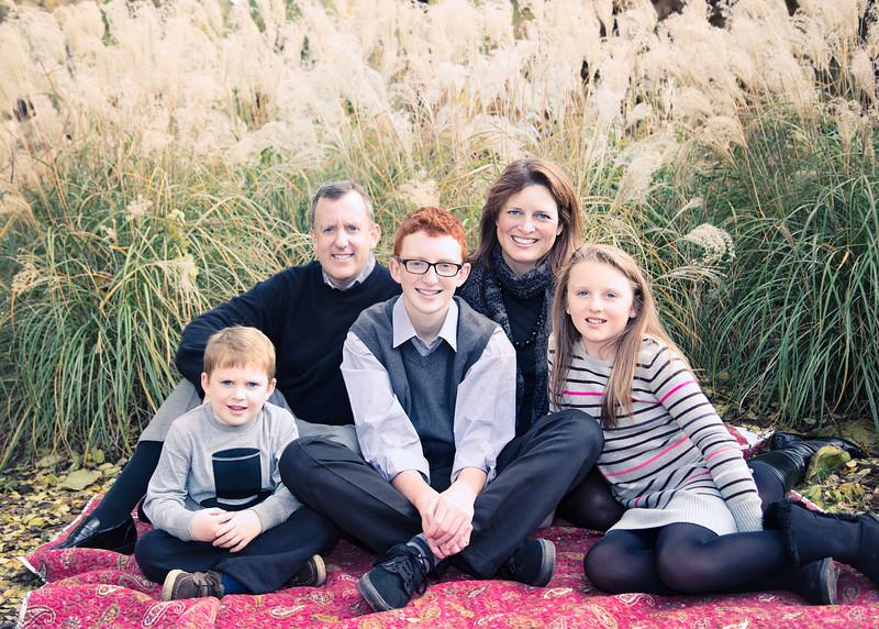Family on Blankie - lovely 2 (1 of 1).jpg