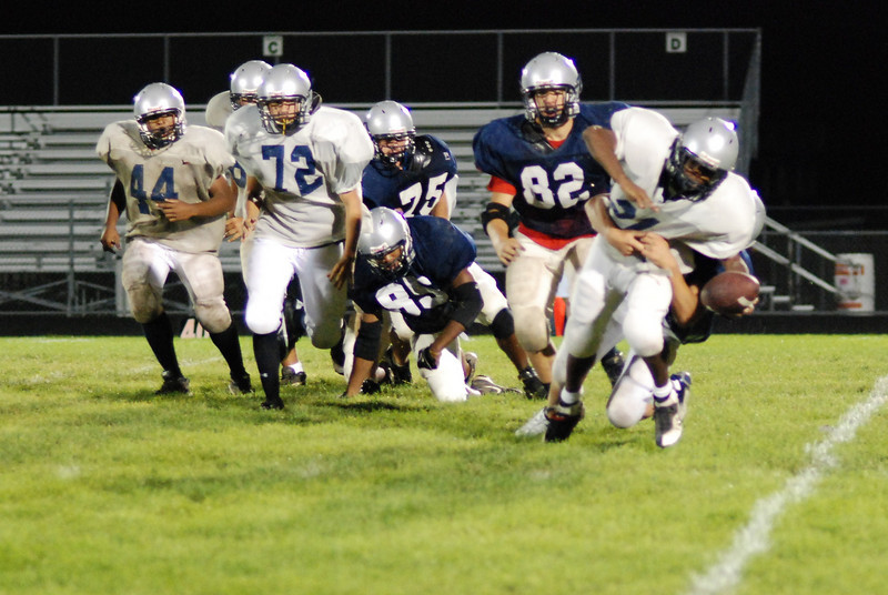blue and silver scrimmage 077.JPG