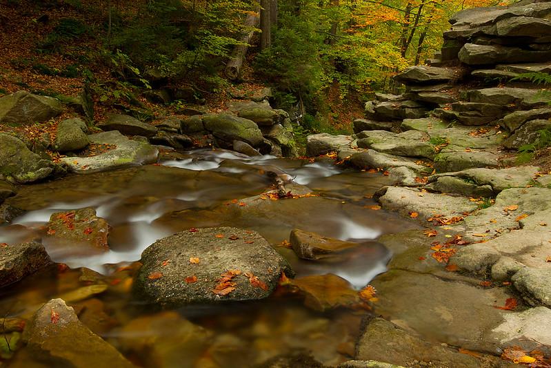Jesienny potok.jpg