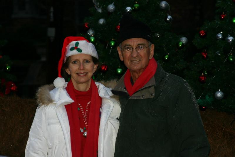 08 12-11 Linda and Millard Fuller. ls