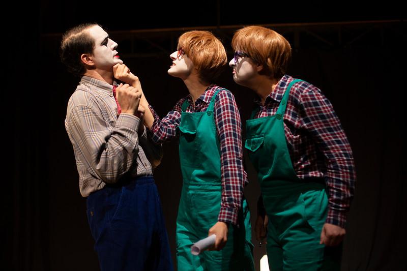 Allan Bravos - essenCIA Teatro - Persona 07-26.jpg