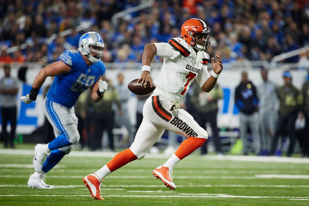 . Cleveland Browns quarterback DeShone Kizer (7) rush against the Detroit Lions during an NFL football game, Sunday, Nov. 12, 2017, in Detroit. (AP Photo/Rick Osentoski)