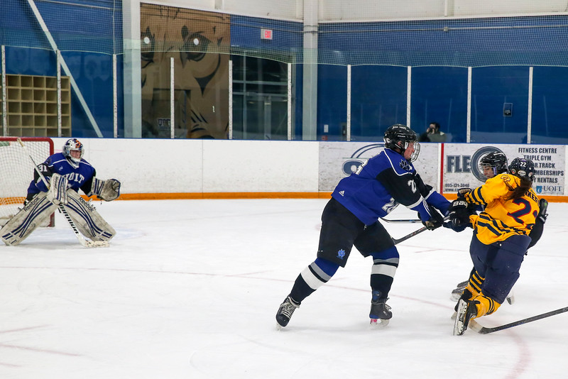 20150129 QWHockeyatUOIT 1159.JPG